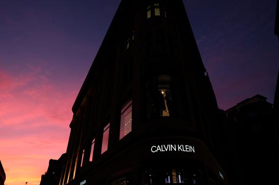 Calvin Klein Store in Düsseldorf feiert Grand Opening