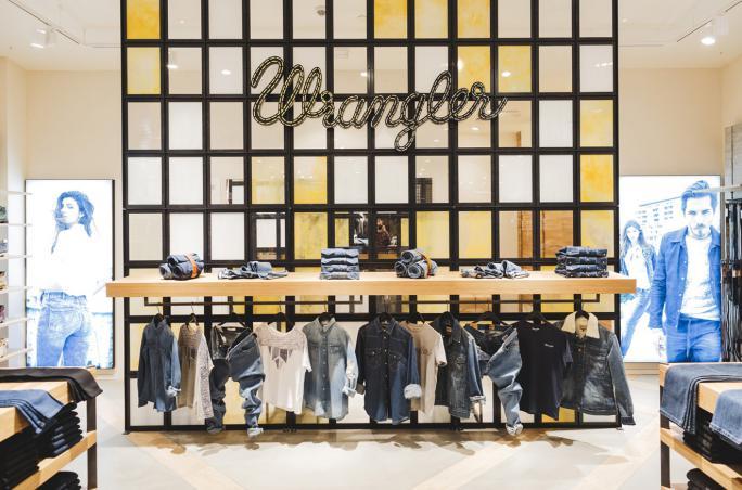 Wrangler, Metropolis Shopping Mall, Moskau, russischer Markt, 70. GEburtstag, neues Store-Konzept,  Rina Castiglione