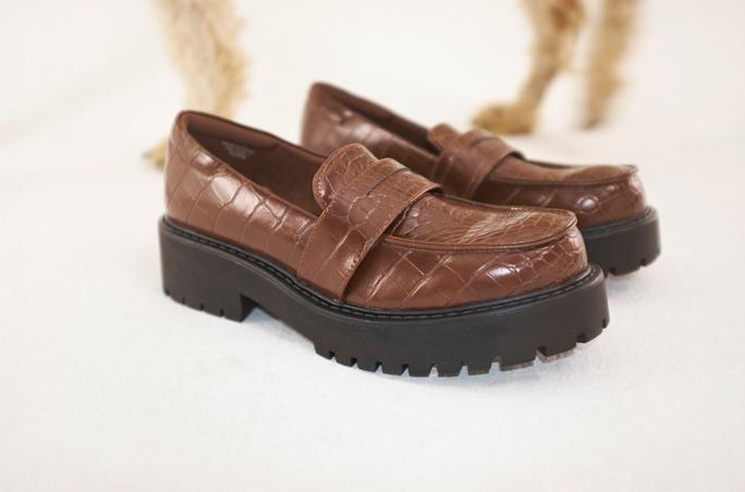 Monki: Vegane Schuhe und Accessoires