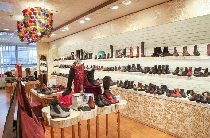 Schuh Austria, Kings & Queens, Skechers, Think!, Shoes & Bags Salzburg, SOC Verkaufstage,  Katharina Absmanner