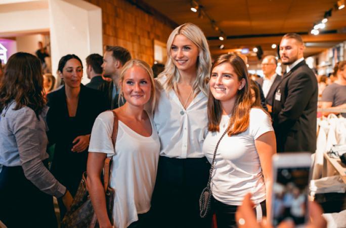 Esprit feiert Style your Life-Kampagne mit Lena Gercke