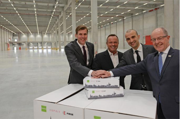 Esprit weiht Distributionszentrum ein