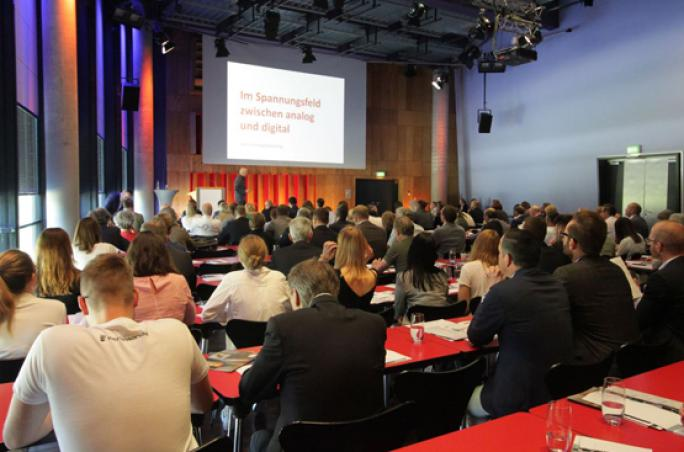 BTE-Kongress: Fashion-Emotion 4.0: Profilierung des Modehandels lokal und digital