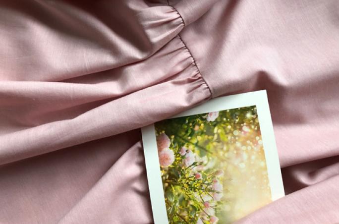 Like a Bird designt Kleider aus Rosenfasern