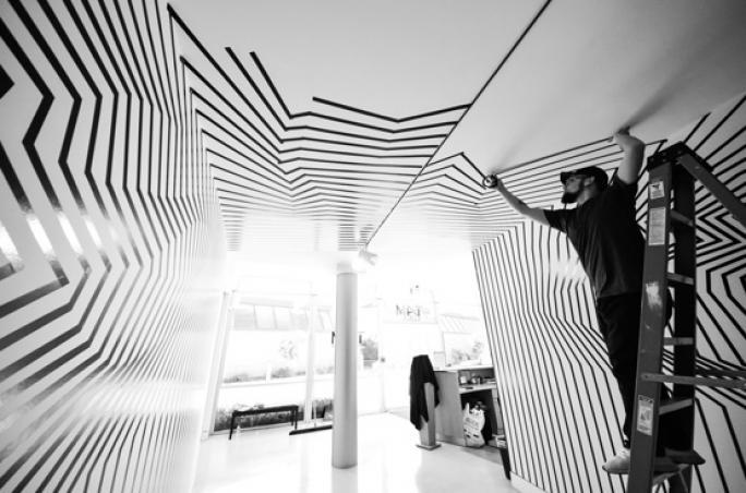 Lodenfrey zeigt Installationen von Darel Carey