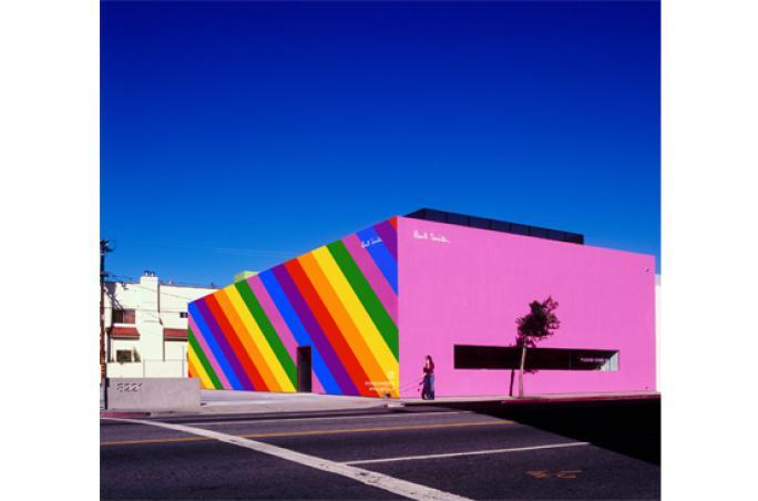 Paul Smith Store leuchtet in Regenbogenfarben zur LA Pride
