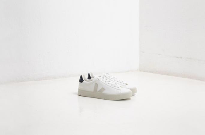 Veja designt Sneaker aus Maisleder
