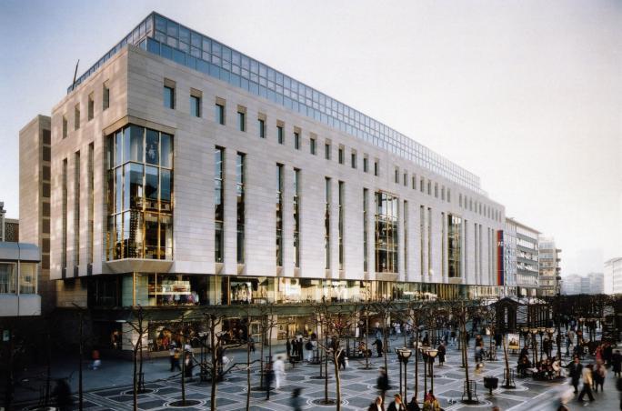 Peek & Cloppenburg KG, Düsseldorf und Wien, Geschäftsbericht, Mr. F – Fashion Essentials
