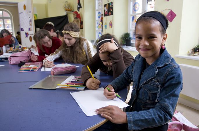 SOS-Kinderdorf e.V., 'Deutschunterricht für unbegleitete minderjährige Flüchtlinge',  Toms ,  Tanja Korn